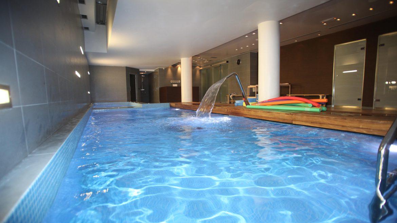 θεραπευτική πισίνα Χαλάνδρι